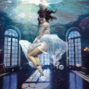Under water - Fotokunst vrouw