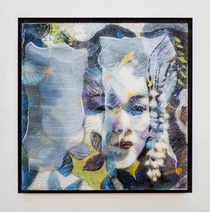 Kleurrijke vrouw I - 22 x 22 cm - Epoxy schilderij