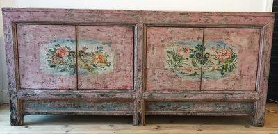 Chinees dressoir roze, beschilderd