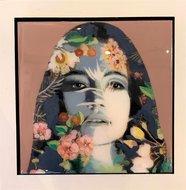 Inner-Flower-22-x-22-Epoxy-portret-vrouw